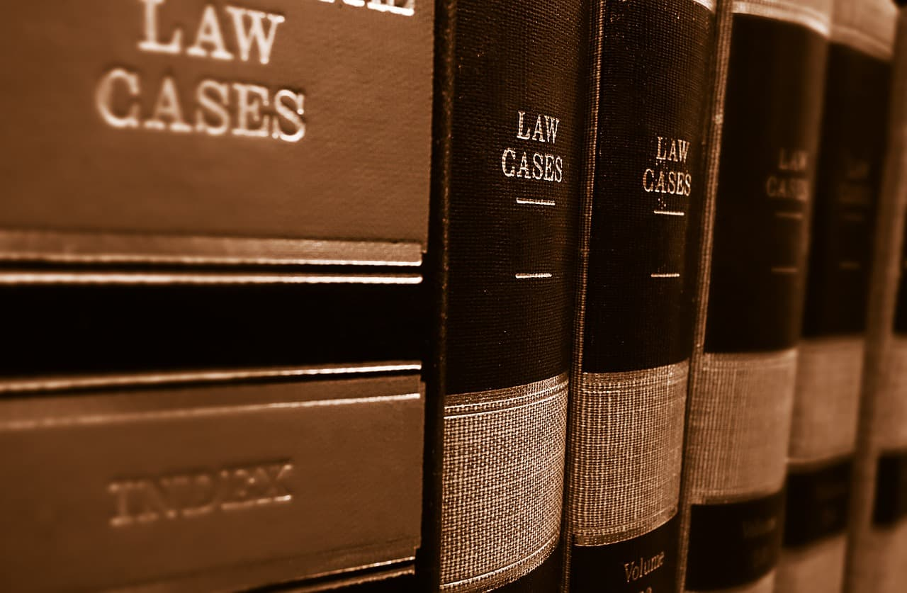 Как стать адвокатом?